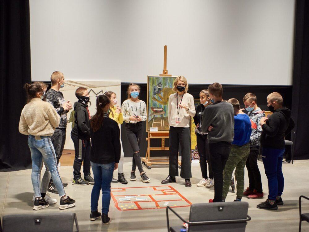 Kazickų šeimos fondas | Edukacijos jaunimui | MO muziejus
